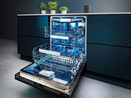 Zkraťte dobu mytí nádobí jedním dotykem, a to i v okamžiku, kdy mycí program už běží. Novou funkci varioSpeed Plus on demand oceníte, nejen když návštěva dorazí dříve (SIEMENS)