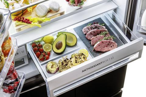 Chladnička Haier F+ Série 9 nabízí unikátní pětidveřový design. Všechny přihrádky zajišťují perfektní specifické podmínky pro ukládání potravin v závislosti na tom, jaký druh potravin chcete skladovat (HAIER)