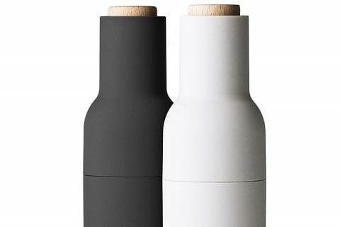 Etažér Artesa (Kitchen Craft), tropické tvrdé dřevo/sklo/kov, O 22 cm, výška 31 cm, cena 1 625 Kč, www.naoko.cz